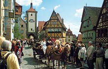 Touristisches Highlight - das Plönlein in Rothenburg o.d.T.